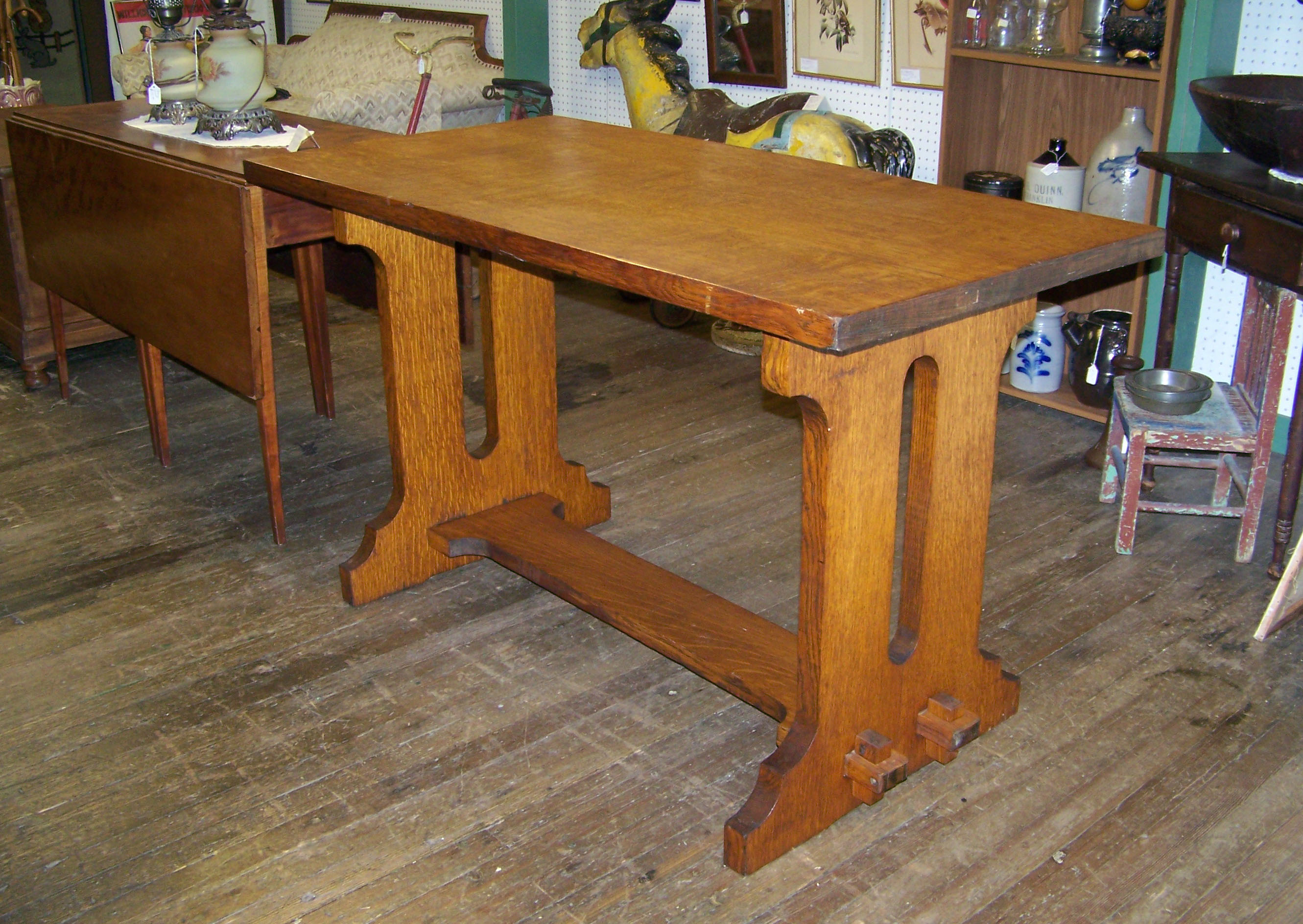 MISSION OAK TRESTLE TABLE