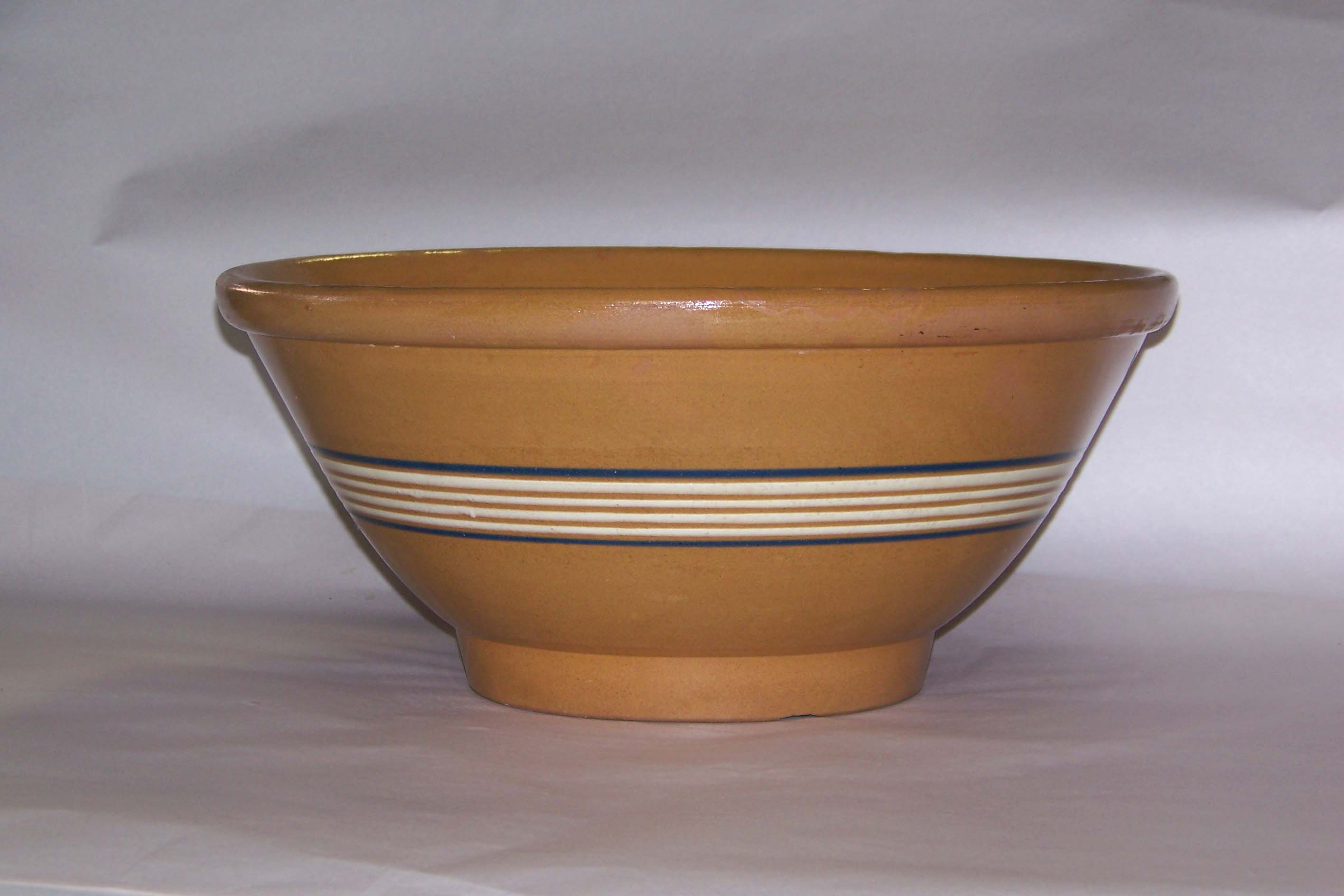 PUMPKIN YELLOWWARE BOWL